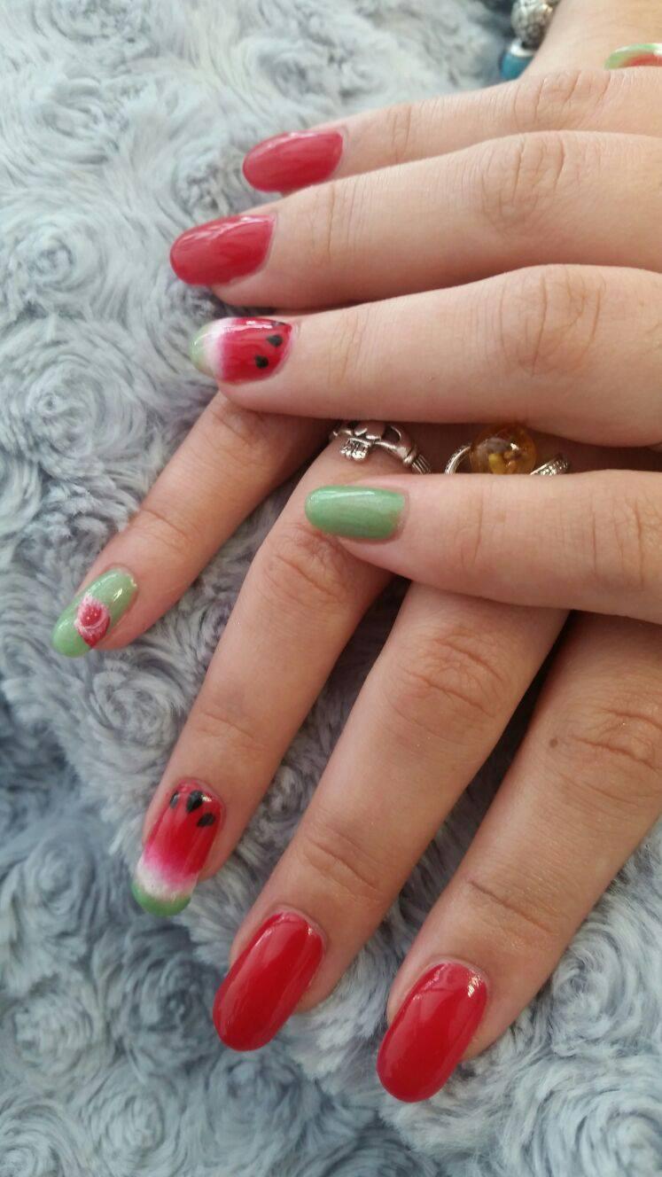 Apportez une touche d'originalité à vos ongles. C'est le moment parfait pour essayer le Nail art....