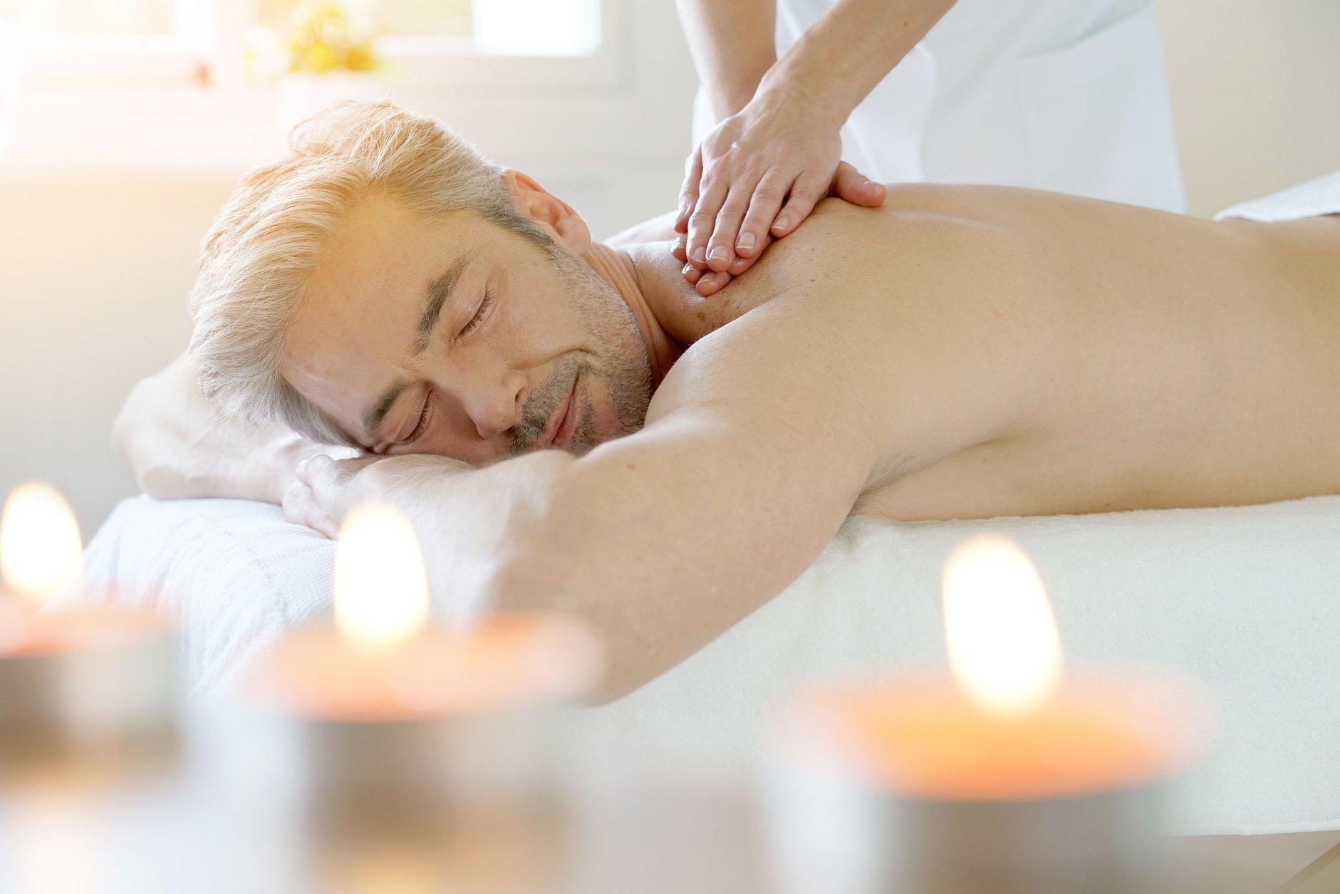 C'est bientôt la fête des pères. A cette occasion offrez lui un massage Instant présent, un soin tot...